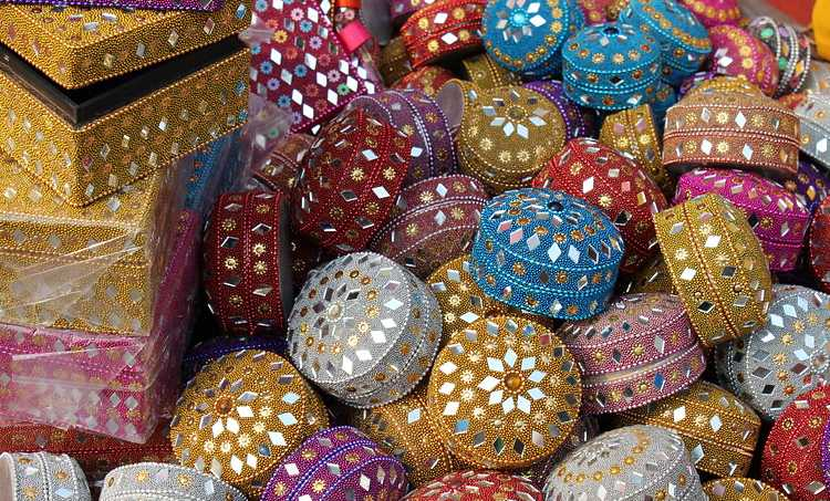 Shop till You Drop At These Not-to-miss 5 Delhi Markets