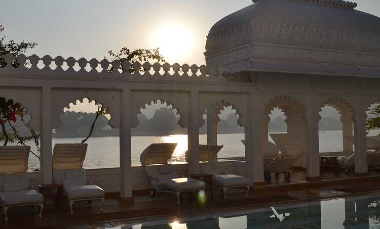 Affordable Hotels Of Udaipur With Lake Views
