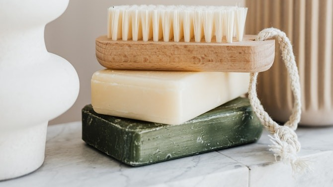 Washing Your Face With Soap Bars – Everything You Need To Know